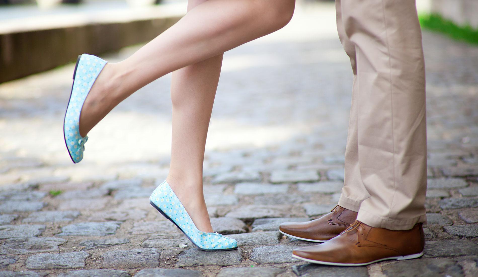 Целовать женскую обувь фото 24 фотография